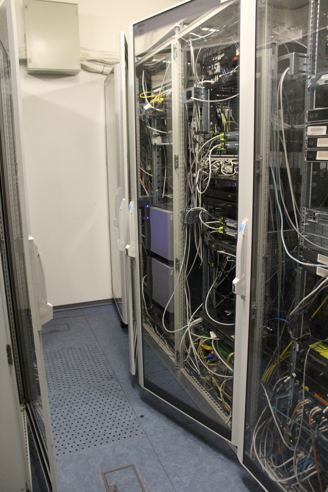 Rack szekrény