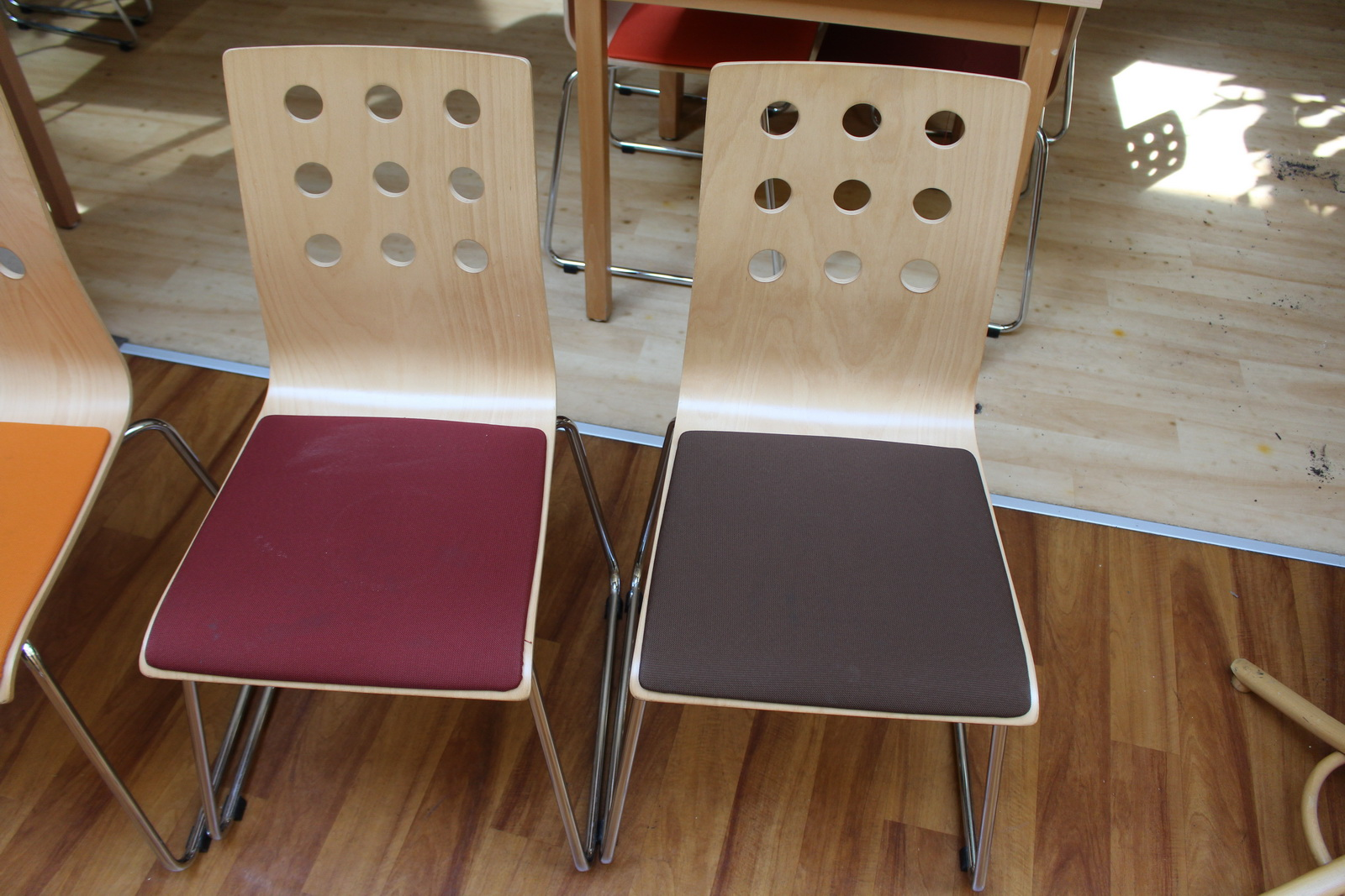 Éttermi asztal és szék