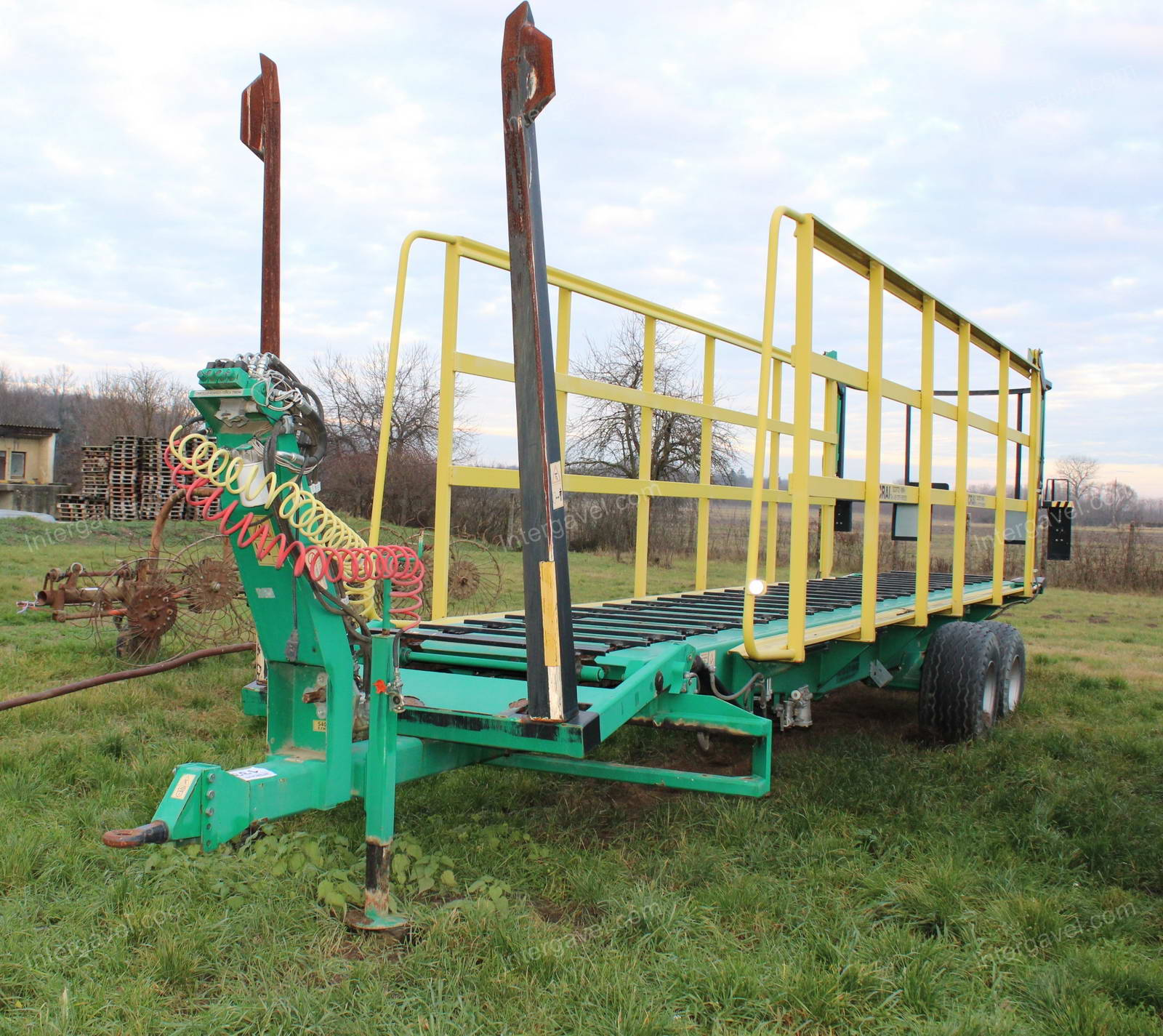 Bale picking and transporting trailer