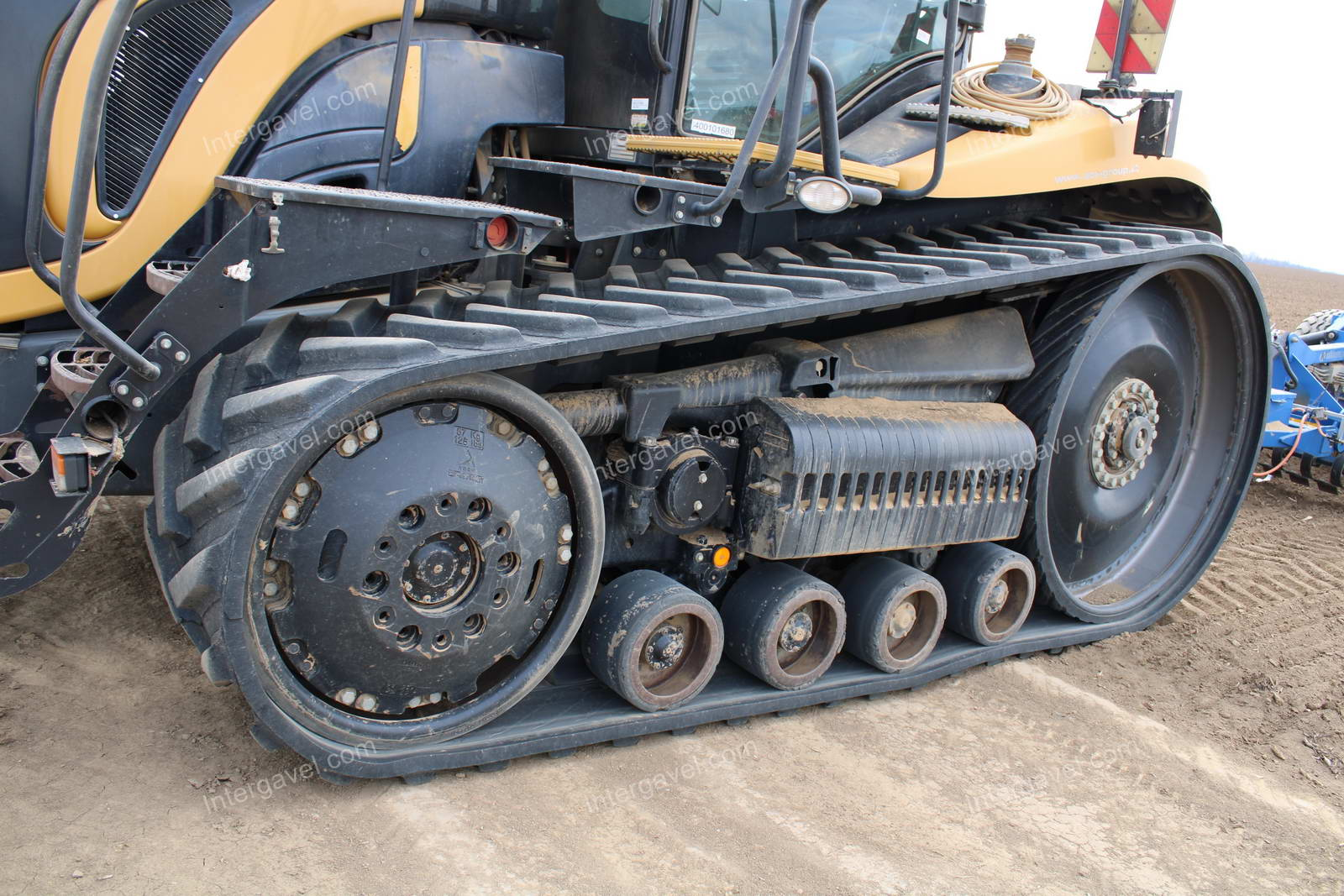 Tracked tractor - Challenger, MT875C
