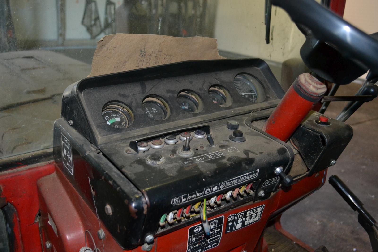 Traktor - MTZ 552