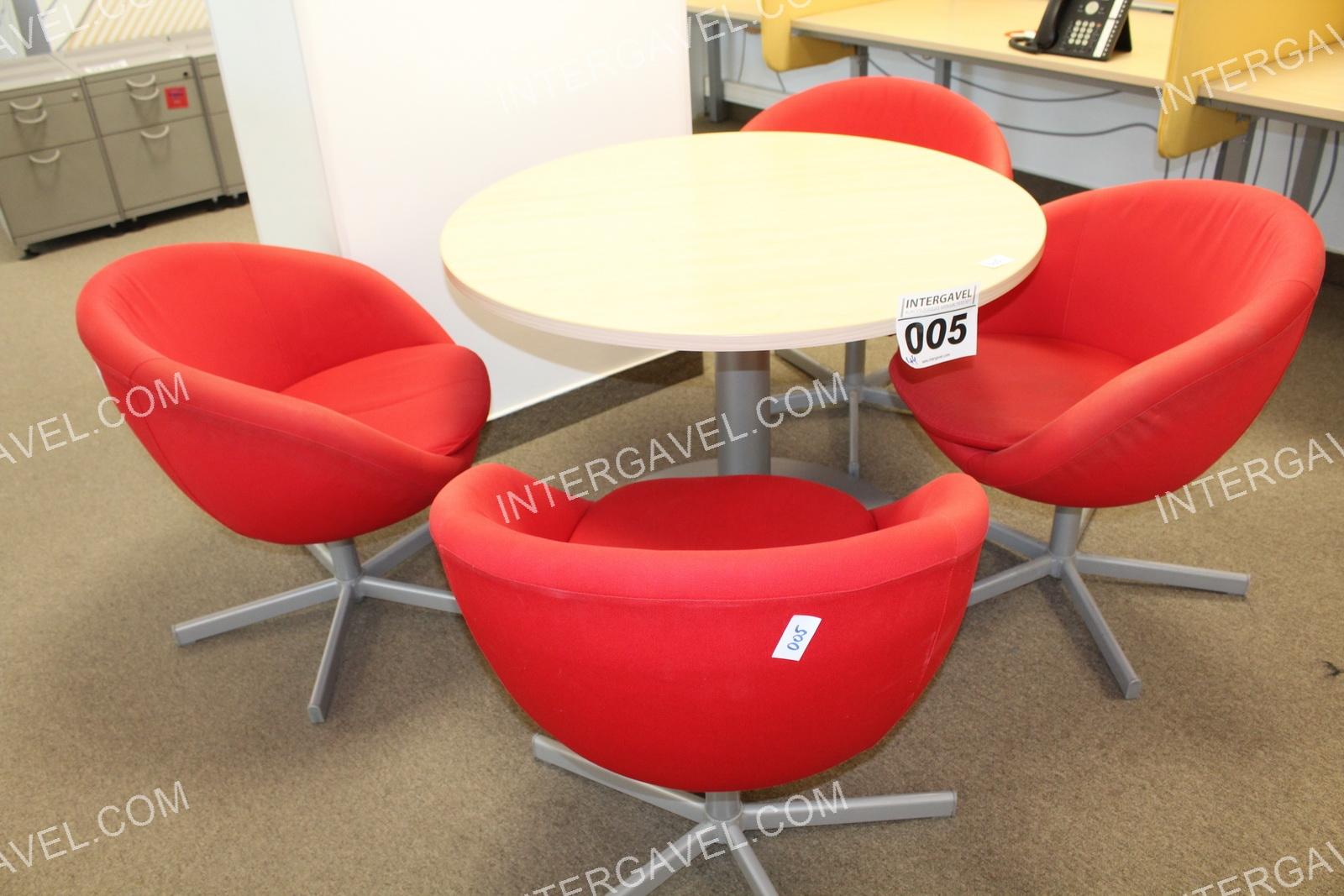 Körasztal és fotel
